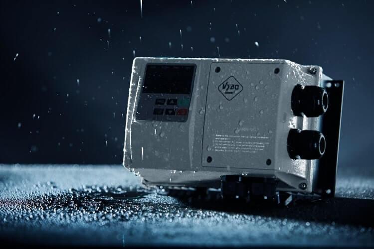 frekvenční měnič 2,2 kw X550